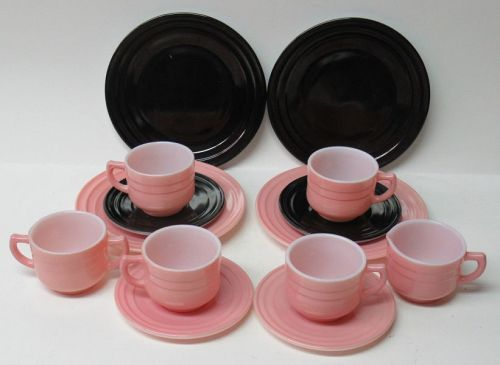 Moderntone LITTLE HOSTESS 14 Piece CHILDS PARTY SET, Black and Pink