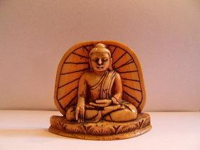 Burmese Buddha tsa tsa