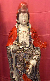 Large Chinese porcelain Guanyin statue - Qing dynasty
