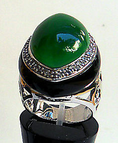 Sterling silver ring with aventurine and cubic zirconia
