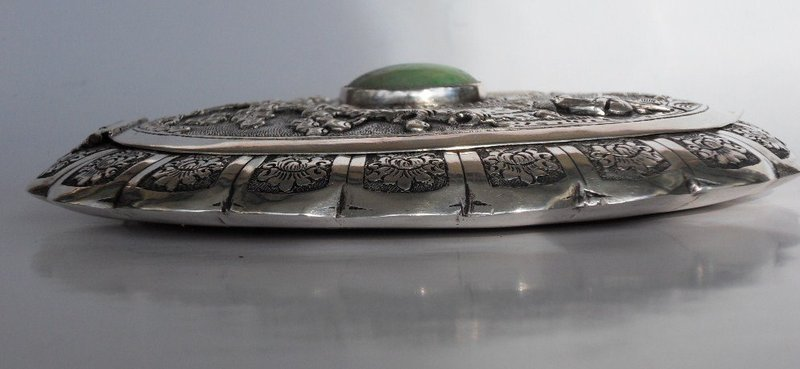 Chinese silver ladies powder box with repousse decor
