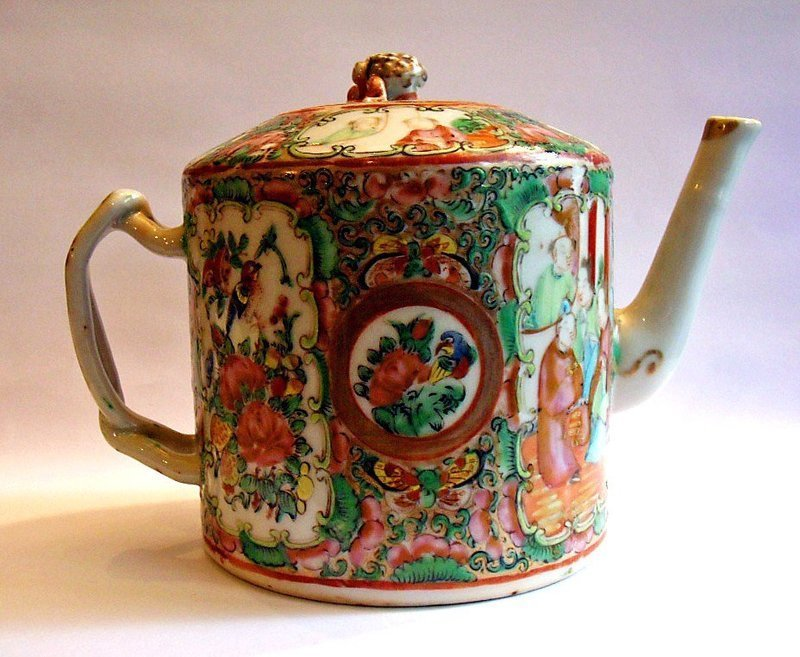 Cantonese porcelain tea pot