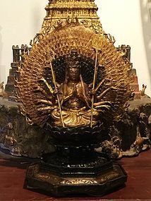 Gilt bronze statue of the thousand hands Avalokiteshvara or Guanyin