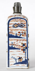 Chinese Imari Export Porcelain Square Flask, Kangxi.