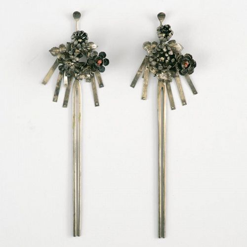 "Antique Pair of Japanese ""bira-bira"" Kanzashi Hair Ornaments, 19th C."