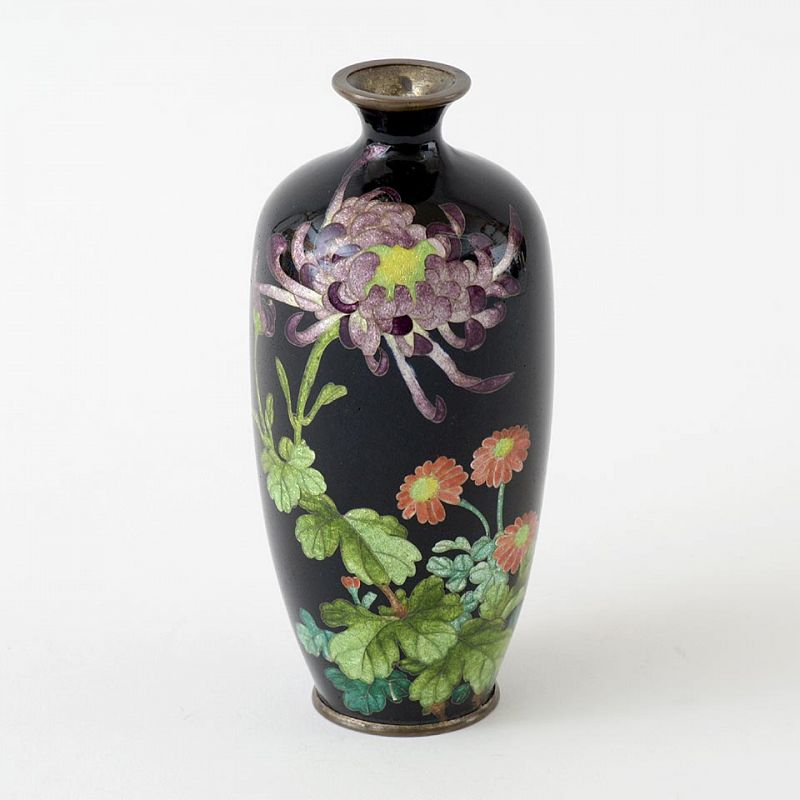Japanese Ginbari Cloisonne Vase with Chrysanthemun, Meiji.