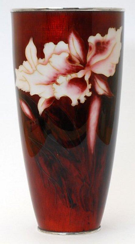 Elegant Japanese Ando Cloisonne Enamel Vase, Meiji.