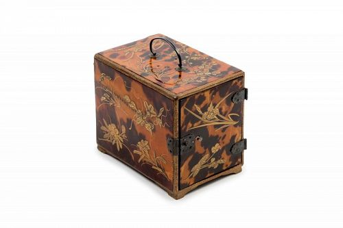Japanese incense cabinet (kodansu) in tortoise shell and lacquer