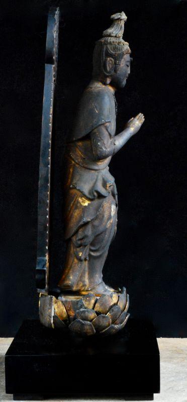 Gilt-Wood Raigo Seishi Bosatsu w/ Lacquer-Wood Stand Early-Edo ca 1650
