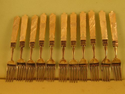 12 Chinese tea forks, unmarked but by Wongshing, 2nd qtr. 19th C.