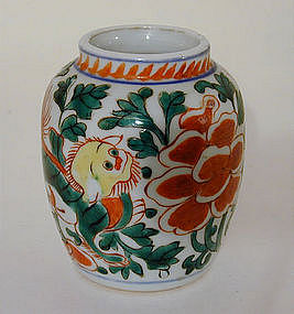 A Chinese Famille Verte Pottery Vase