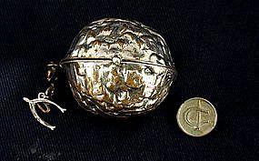 Antique Walnut-Form Vinaigrette