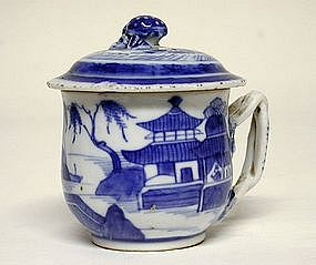Chinese Export Porcelain Pot De Creme  with  cover