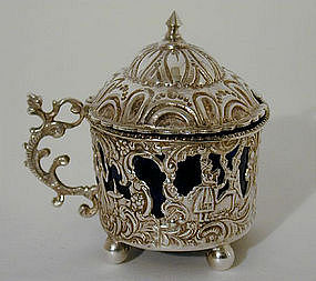 A Dutch Silver Mustard Pot and Spoon