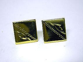 Vintage Men's Gold Tone Toggle Back  cufflinks