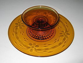 Cambridge Glass Cheese and Cracker Set, Amber
