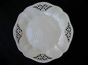 Pair of early 19th c creamware Tudor Rose plates