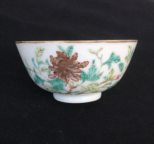 Chinese bowl with Peony and auspicious sign, late 19th century