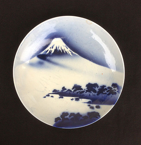 Japanese blue and white Mount Fuji dish / bowl, Meiji