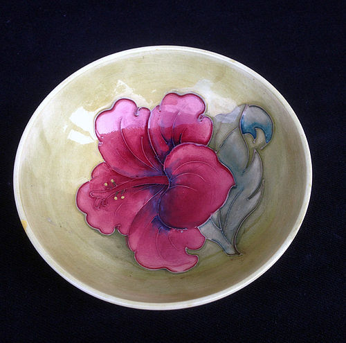 English Moorcroft Hibiscus bowl