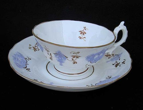 Pair of English sprigged teacups, c 1830, possibly New Hall