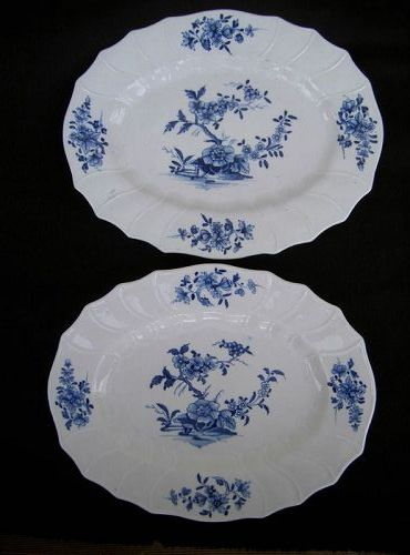 Pair of Tournai dishes in the Ronda pattern, 18th c
