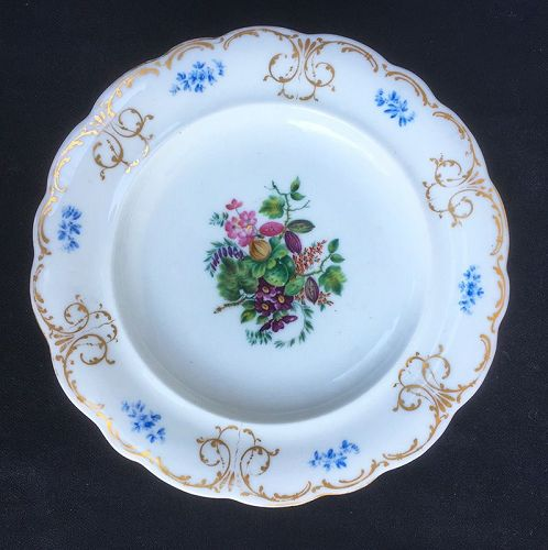 Russian 19th c plate by the Miklashevsky Manufactory, Volokitino