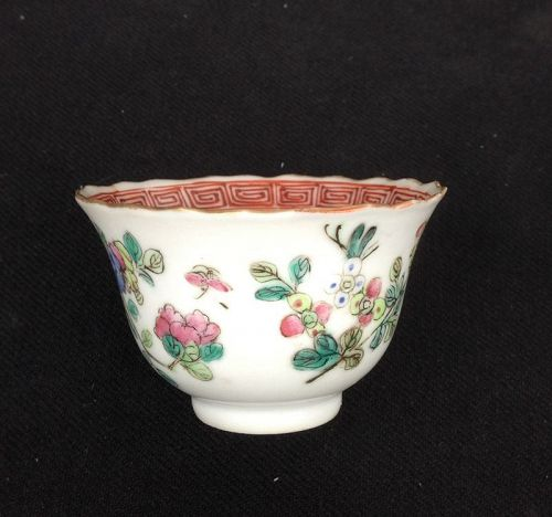 Tea bowl with keyfret, cricket and flowers, Tongzhi or Guangxu