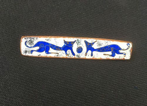 Perli Germany style whimsical cats pin, enamel on copper, 60�s