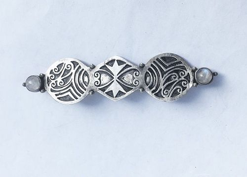 Celtic revival bar pin, Arts and Crafts, silver and moonstone