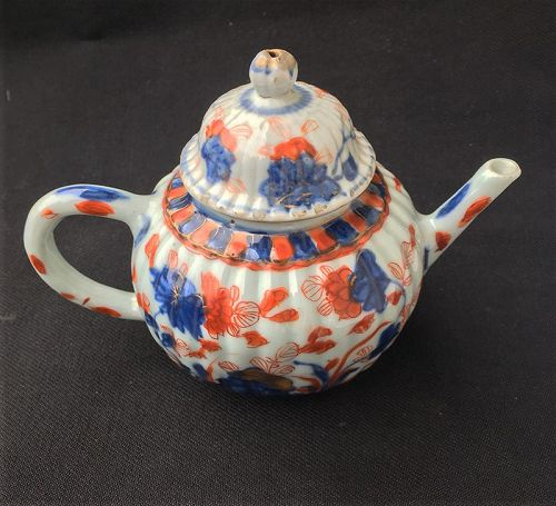 Kangxi Imari teapot