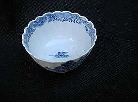 Chinese Export tea bowl, imitating English transferware
