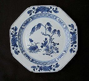 Chinese Export blue and white octagonal plate