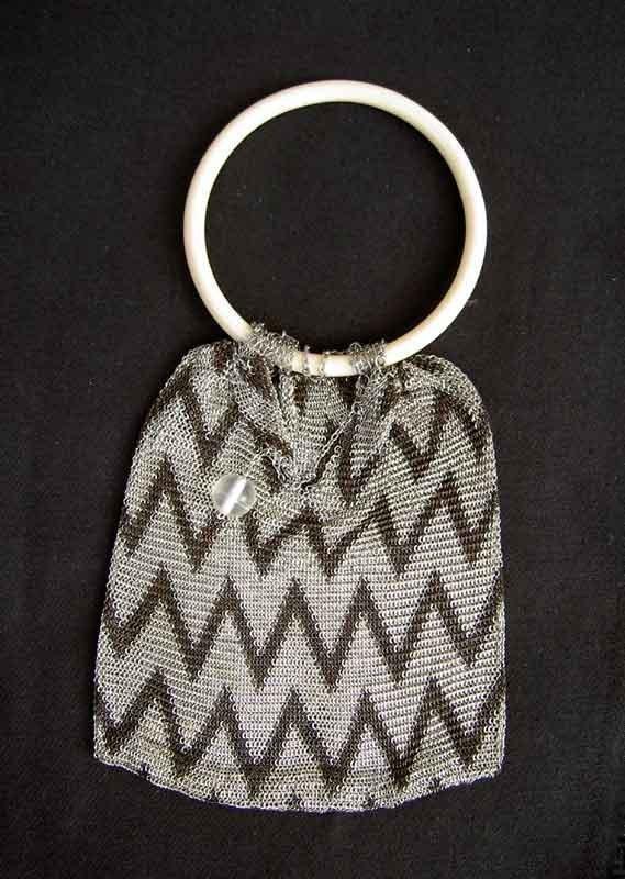 An Art Déco mesh evening bag