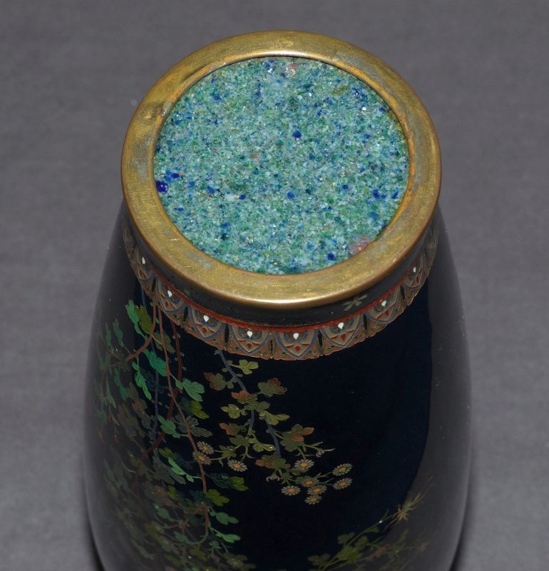 Very Fine Japanese Cloisonne vase w Gold Wire Birds - Unsigned Hayashi