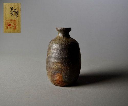 Japanese Bizen Tokkuri by Maeshima Ruiko