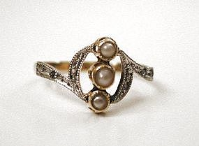 Beautiful Edwardian 18K Diamond & Pearl Ring