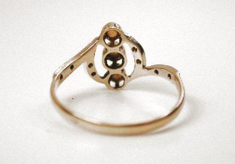 Beautiful Edwardian 18K Diamond & Pearl Ring