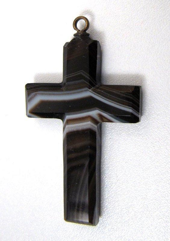 Lovely Victorian Banded Agate Cross