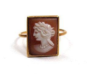 Delicate Victorian Shell Cameo Ring, 9K Gold