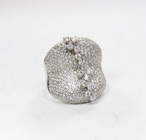 Large 18k white gold 4ctw diamond cocktail ring