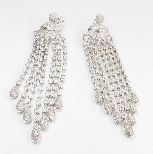 Large, 18k white gold, 7 carats of diamonds chandelier earrings