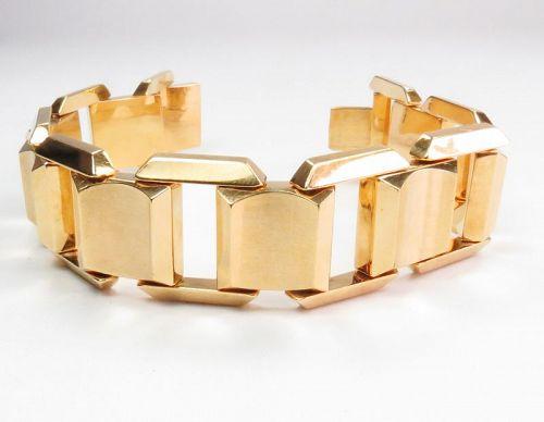 Large, modernist 18k yellow goold link bracelet. Unisex.