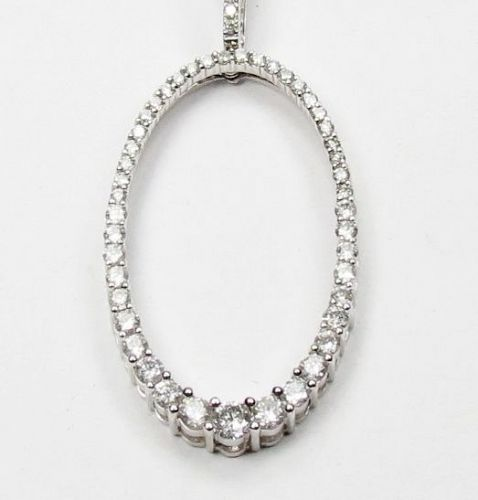 14k white gold, 1.35 carats of diamonds necklace