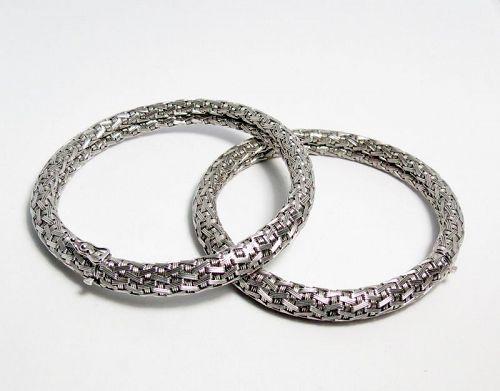 Designer, pair of 18k gold bangle bracelet by Filippini Fratelli