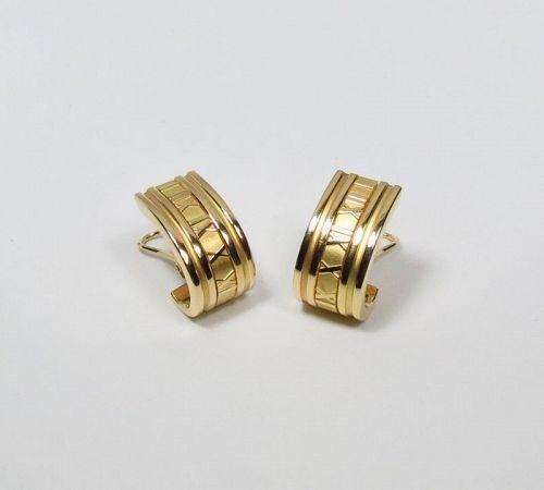 Tiffany & Co. Atlas, Roman Numeral 18k yellow gold hoop earring