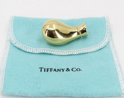 Elsa Peretti for Tiffany & Co, 18k gold urn, jug pendant