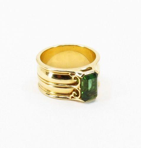 Designer, unisex green Tourmaline band ring in 18k yellow gold