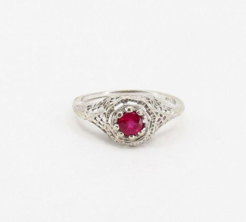 Antique, Edwardian ruby ring in 14k filigree gold