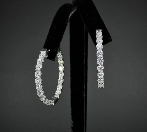 Large, 10 carats of diamonds hoop earrings in 18k gold